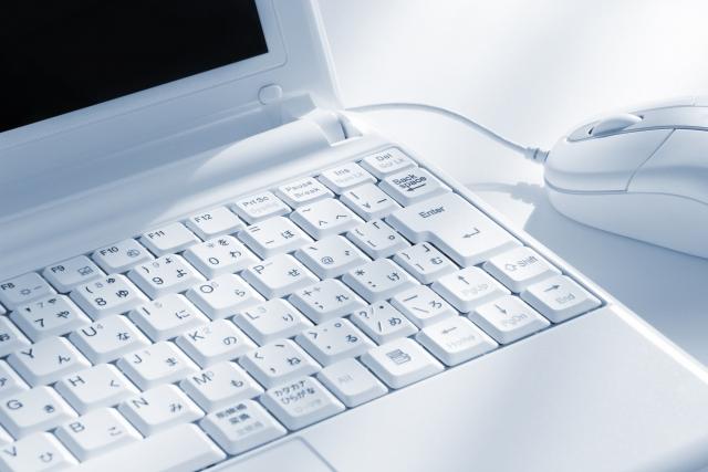 パソコンのキーボードのアップ画像