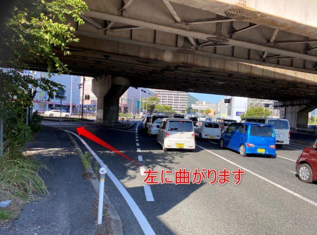 左車線に入ります。山陽自動車道、広島インターの近くです。